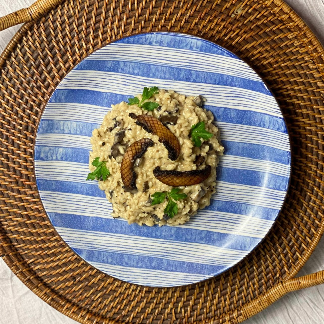 Classic Truffle Mushroom Risotto (plus Risotto`s Golden Rules)